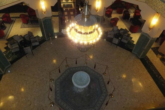 Hotel Riu Tikida Garden : Looking down into lobby from upstairs seating area