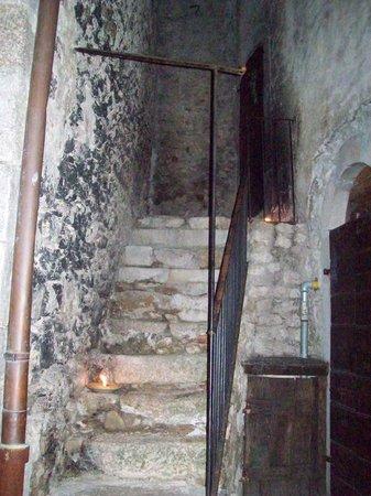 Sextantio Albergo Diffuso : Scaletta che porta alla stanza dalla strada principale