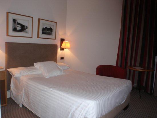 Hotel Ercilla : Habitación - zona cama