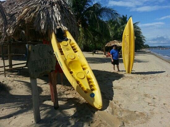 Belizean Dreams Resort: Kayaks