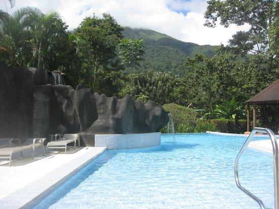 Hotel Lomas del Volcan : Pool