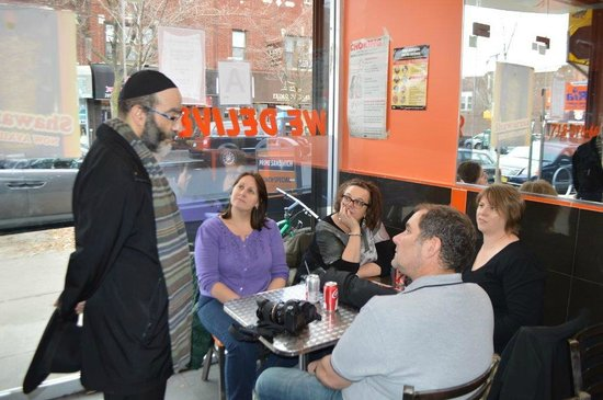 Jewish Hassidic Walking Tours: Kosher lunch during the tour