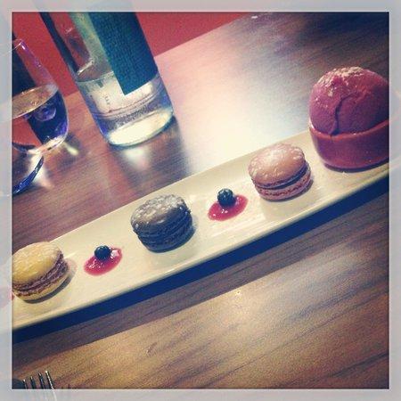 Yukti: Raspberry Sorbet & Mini Macaroons ! Sensational desert !!! A must try