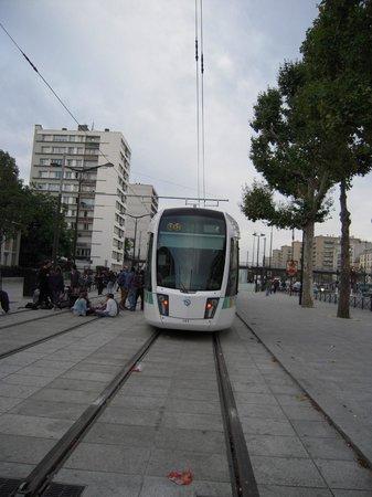 Hipotel Paris Nation : 電車の終点