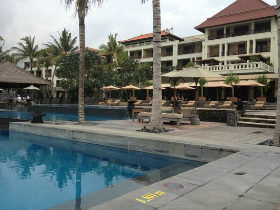The Legian Bali : Pool area