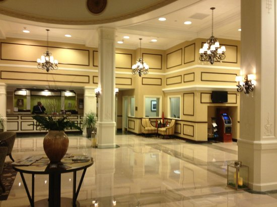 Hilton Garden Inn Jackson Downtown: Lobby & Reception