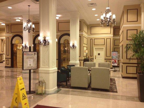 Hilton Garden Inn Jackson Downtown: Lobby