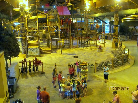 Great Wolf Lodge: Opening ceremony.