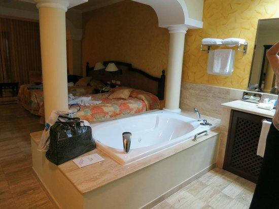Grand Palladium White Sand Resort & Spa : Our junior suite