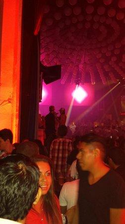 Mandala Cancun: early crowd