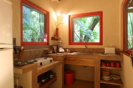 Hotel bungalows SolyLuna los Almendros.: solyluna.simon@gmail.com