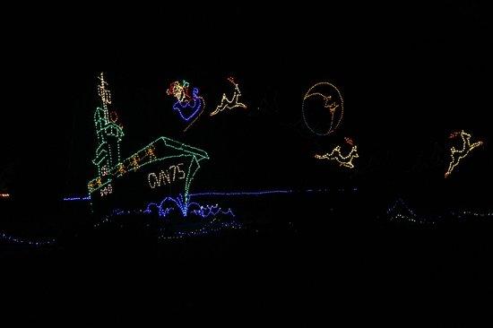 Norfolk Botanical Garden : Christmas Light Show