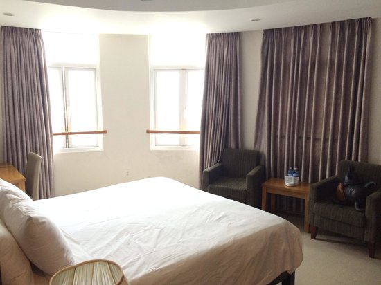 Indochine Danang Hotel: Superior. Room 503. Provided good seaview opportunity. Corner room.
