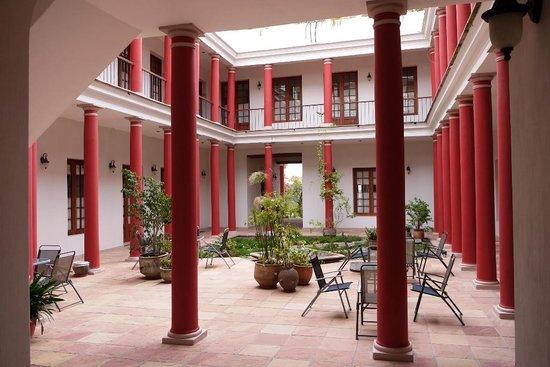 Hotel Villa Antigua: パティオ。