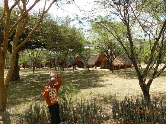 Keekorok Lodge-Sun Africa Hotels : Entering the grounds