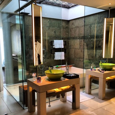 W Bali - Seminyak: The bathroom - with glass roof shower - spectacular