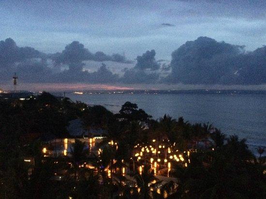 W Retreat & Spa Bali - Seminyak: W retreat pool of a night time