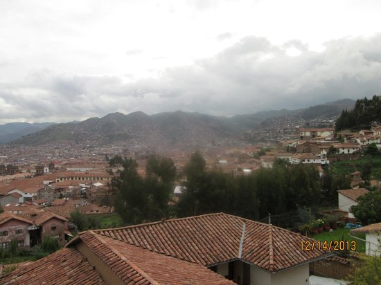Quinua Villa Boutique: View from Taripay room on a rainy and cloudy day.