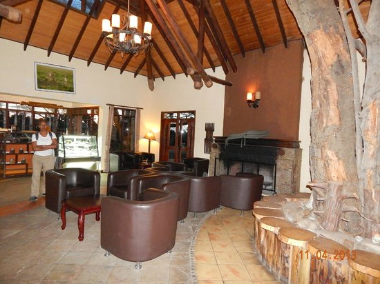 Keekorok Lodge-Sun Africa Hotels: Part of the lobby