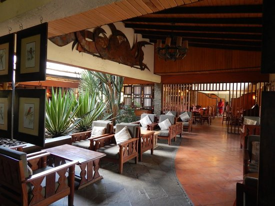 Keekorok Lodge-Sun Africa Hotels : Part of the lobby