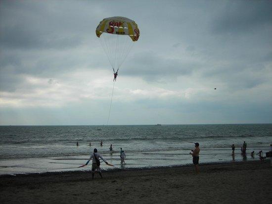 The Grand Mayan Nuevo Vallarta: parasailing