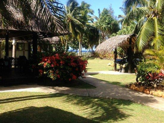 Lagoon Breeze Villas : Walk from breakfast spot