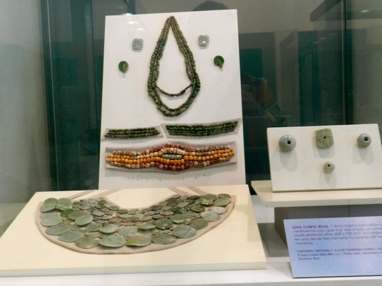 Museo Maya de Cancun: NICE ANCIENT JEWELRY