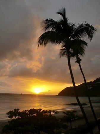 Divi Little Bay Beach Resort: Little Bay Beach, sunset