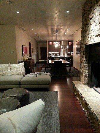 Solaris Residences: Living room