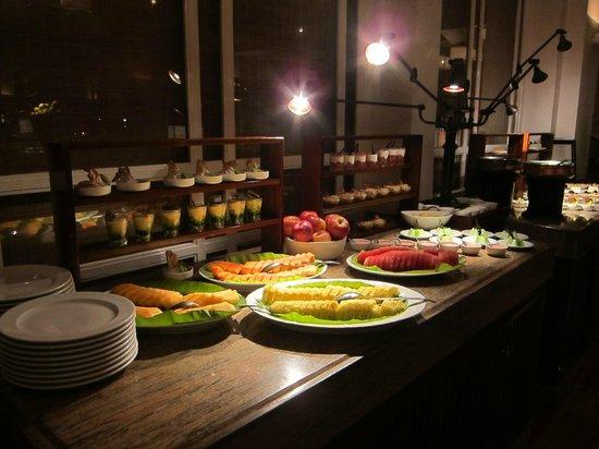 Taj Malabar Resort & Spa Cochin: Dessert buffet