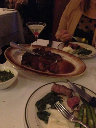 Benjamin Steakhouse : Steak for two is a must!!!