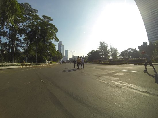 Le Meridien Jakarta: Road closed for pedestrians on my way to a shopping plaza