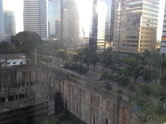 """Le Meridien Jakarta: View from a room that is labelled """"Starwood Preferred Guests"""""""