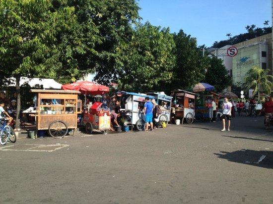 Grand Indonesia Mall: The mini stalls outside the plaza