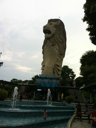merlion singapore how to get there