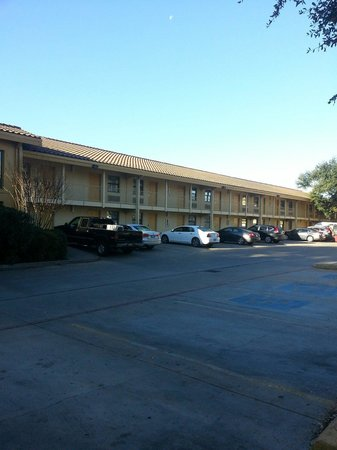 La Quinta Inn Austin South / IH35: All outside entry rooms