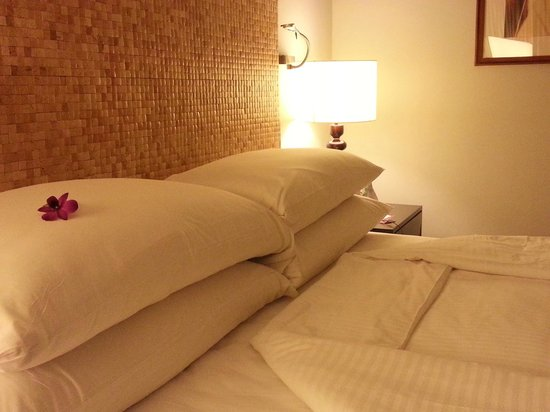 Cinnamon Grand Colombo: Great bed