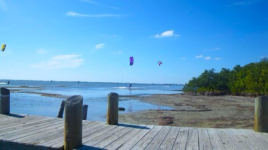 321 Kiteboarding and Watersports: Shallow flatwater learning