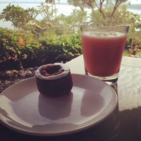 Four Seasons Resort Bali at Jimbaran Bay: The pineapple cronut