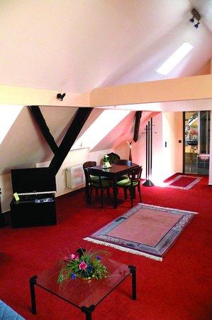 Hotel Weinhaus Hoff: Suite mit Küche und Terrasse