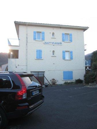Hotel Saint Jacques : le parking de l'hôtel