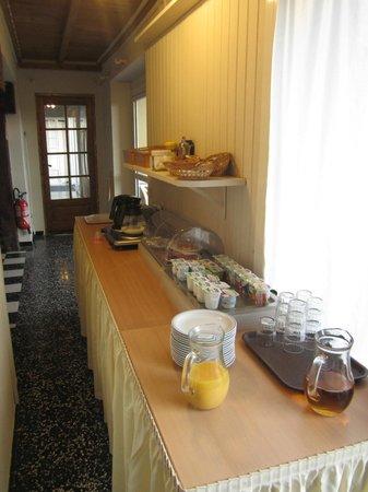 Hotel Saint Jacques : le buffet du petit déjeuner