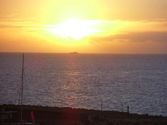 Be Live Experience La Nina: Sunset from balcony