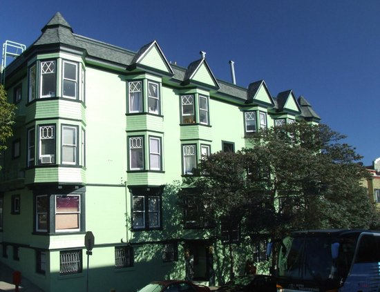 Alamo Square : Many of the houses have been featured in movies