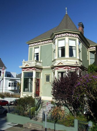Alamo Square : The houses are amongst the most expensive in the City