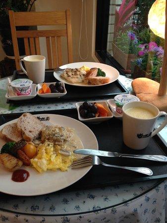 Errantry Lodge & Studio: breakfast