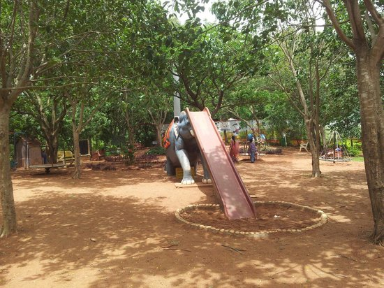 Hubli-Dharwad, India: Playing area for kids