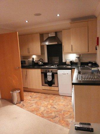 Fountain Court Apartments - Harris: Kitchen