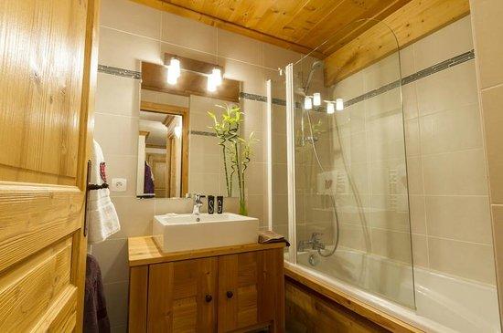Residence Le Criterium : Salle de bain cosy