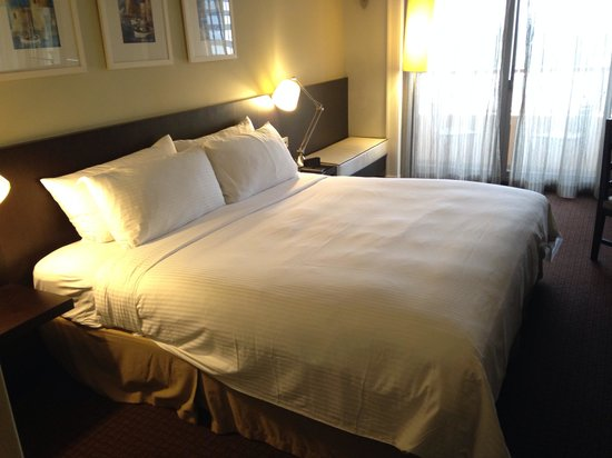 Orchard Parade Hotel by Far East Hospitality : 部屋